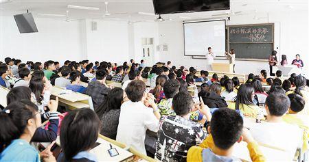 现在读了大学是不是没用,有没有必要去读大学或者大专?本科文凭重不重要?