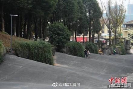 """重庆大学城校园""""波浪路""""是哪个学校?波浪形路的由来"""